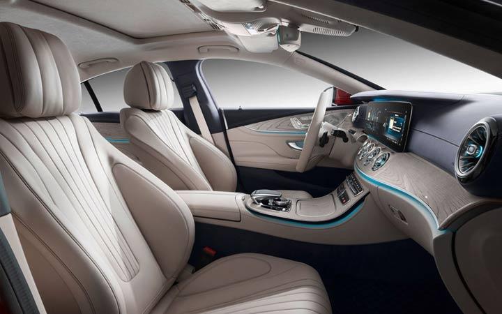 В салоне Mercedes CLS 2019