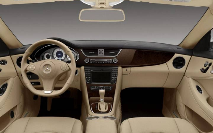 Интерьер Mercedes GLS 2019 года
