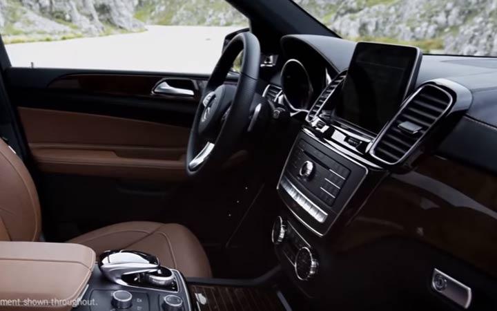 Интерьер Mercedes GLS 2019