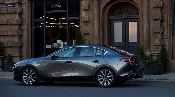 Экстерьер седана Mazda 3 2019
