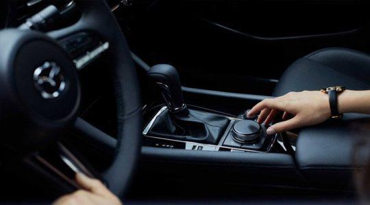 Mazda 3 в салоне