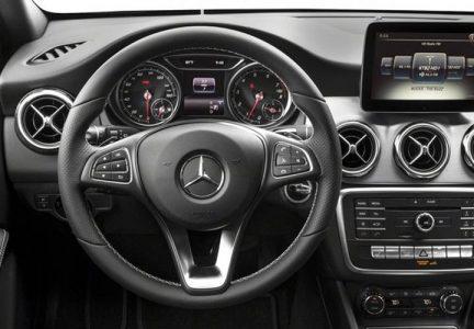 Приборная панель Mercedes-Benz GLA 2019