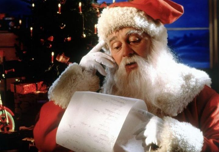 Дед Мороз говорит по телефону