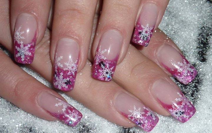 Роспись на ногтях снежинки