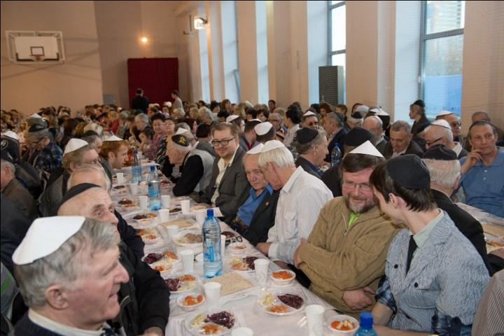 иудеи за столом