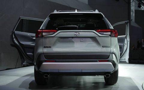 Задние фонари Toyota RAV4 2019