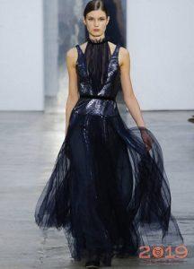 Черное новогоднее платье на 2019 год