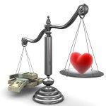 весы с сердцем и деньгами