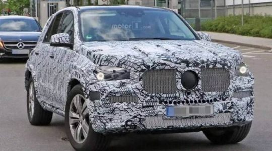Mercedes GLE 2019 in camouflage