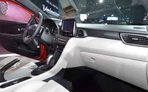 Салон Hyundai Veloster 2019