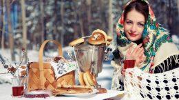 девушка за столом с блинами самоваром и баранками