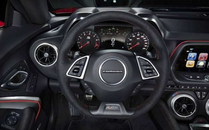 Интерьер Chevrolet Camaro 2019