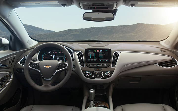 Интерьер Chevrolet Malibu 2019