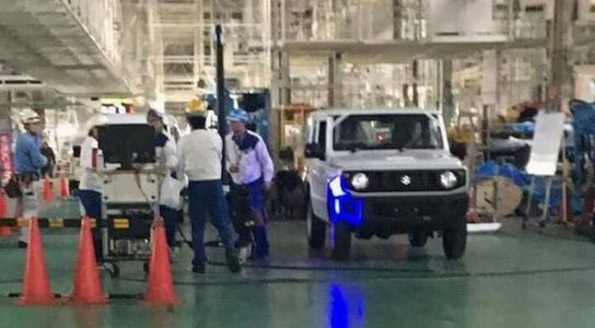 Первое живое фото Suzuki Jimny 2019