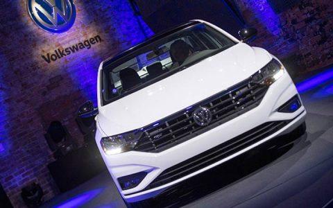 Volkswagen Jetta 2019 в белом цвете