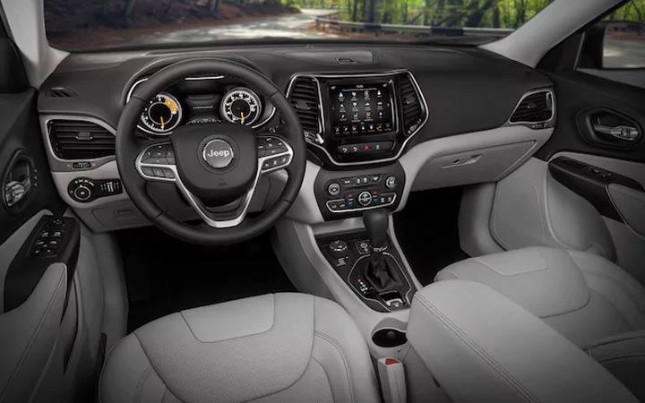 Интерьер Jeep Grand Cherokee 2019