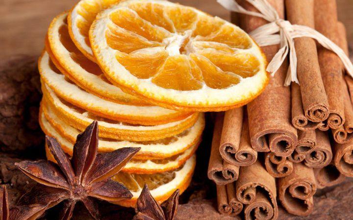 Сушеный апельсин и корица