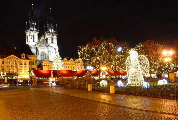 новогодние декорации в Праге