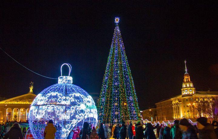 Центральная площадь Воронежа на Новый год