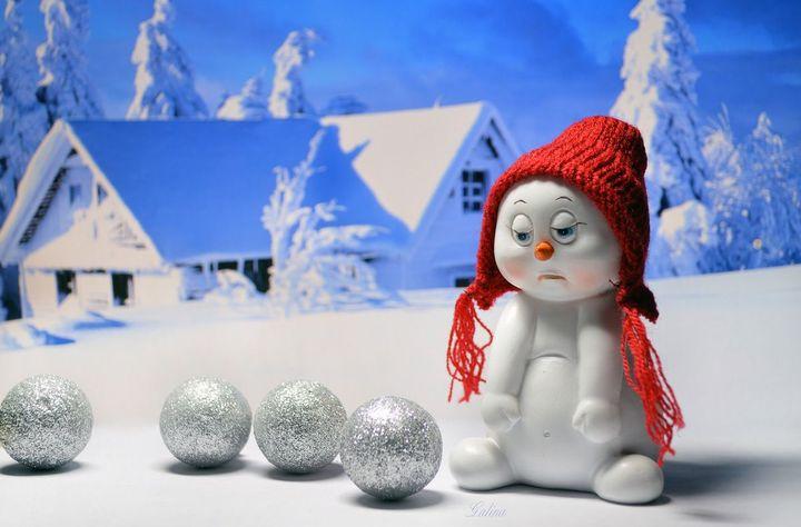 Грустный снеговик