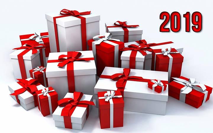 Новогодние подарки клиентам от компании