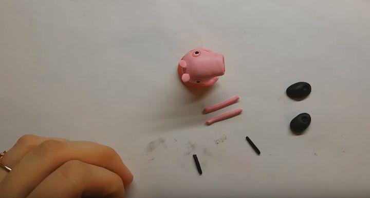 Свинка Пеппа из полимерной глины