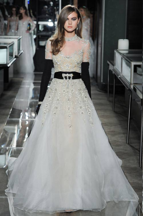 843b1c79454 Цветное свадебное платье 2018-2019