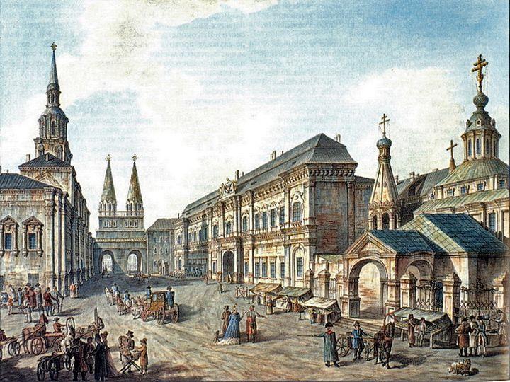 Здание Московского университета (слева) у Воскресенских ворот на Красной площади. Гравюра нач. XIX века