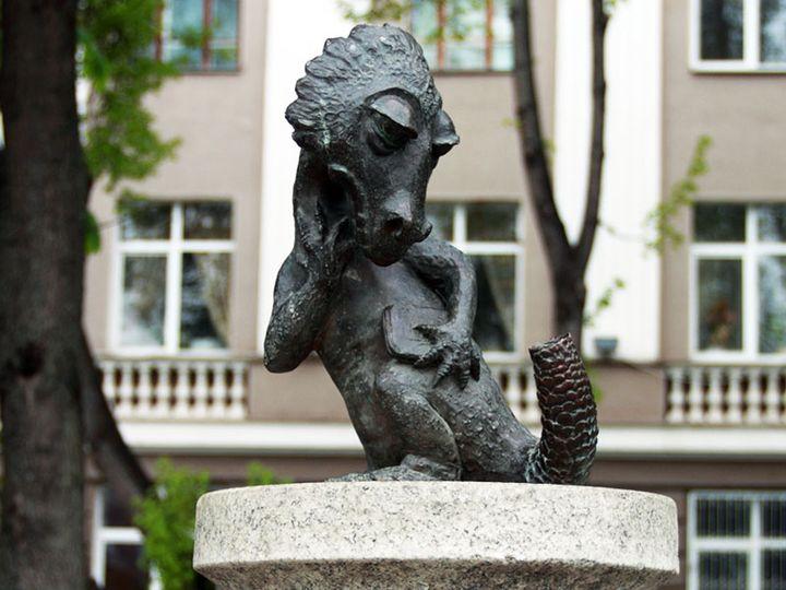 """Памятник """"Хвостов.нет"""" в Туле"""