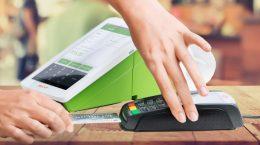кассовый аппарат с блоком для приема кредитных карт