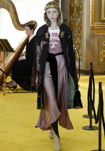 Gucci'den modaya uygun elbise