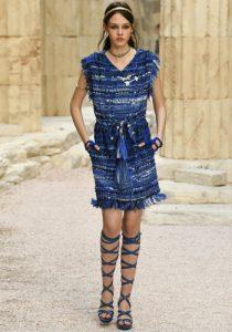 Синее платье от Диор 2018-2019