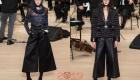 Модные кожаные брюки Шанель зима 2018-2019