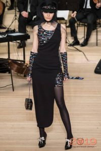 Асимметричное платье Шанель 2019