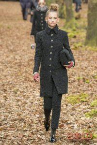 Брюки и пальто Шанель зима 2018-2019