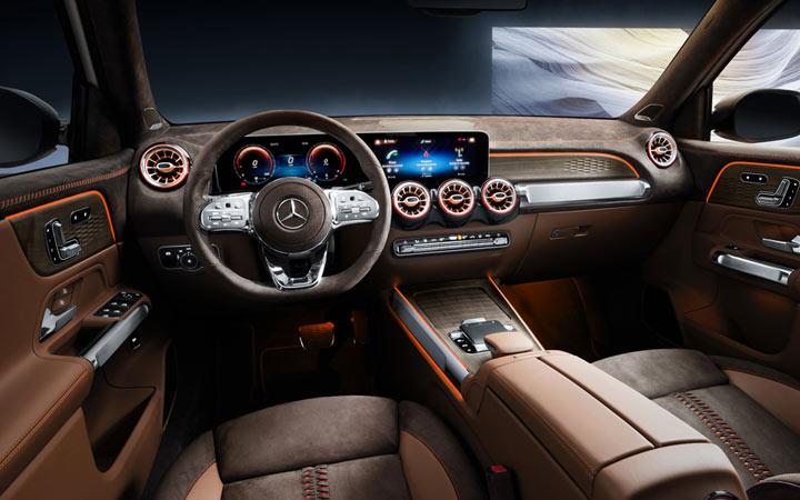 Интерьер Mercedes GLB 2019-2020