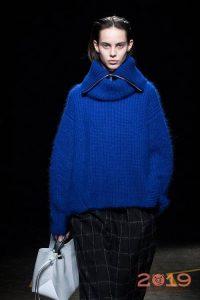 Объемный свитер мода 2018-2019