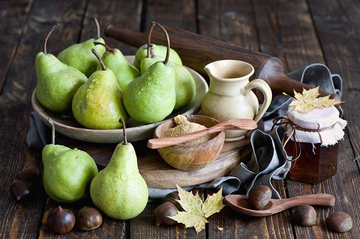 Груши, мед и орехи