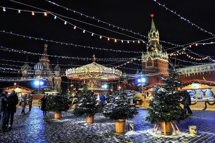 украшенная красная площадь в новый год
