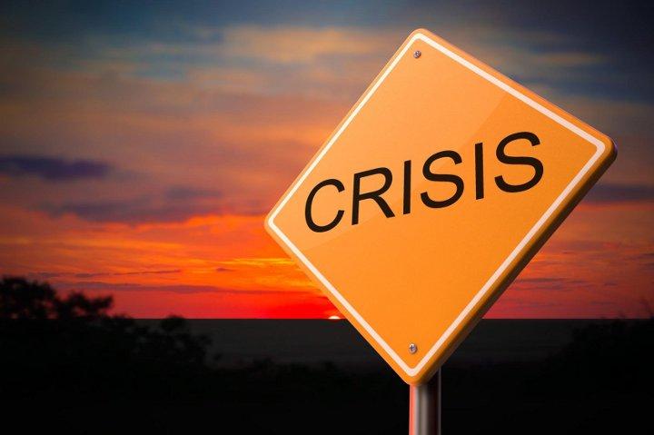 дорожный знак кризис