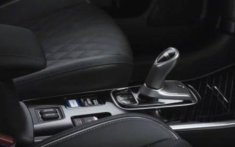 Салон нового Mitsubishi Outlander 2019