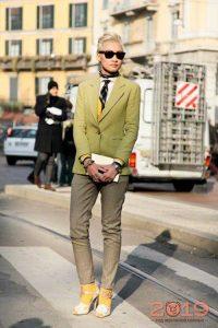 Модный галстук для женщин
