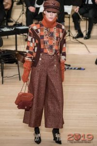 Wide trousers for fall-winter 2018-2019