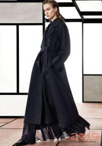 Черное пальто зима 2018-2019 года