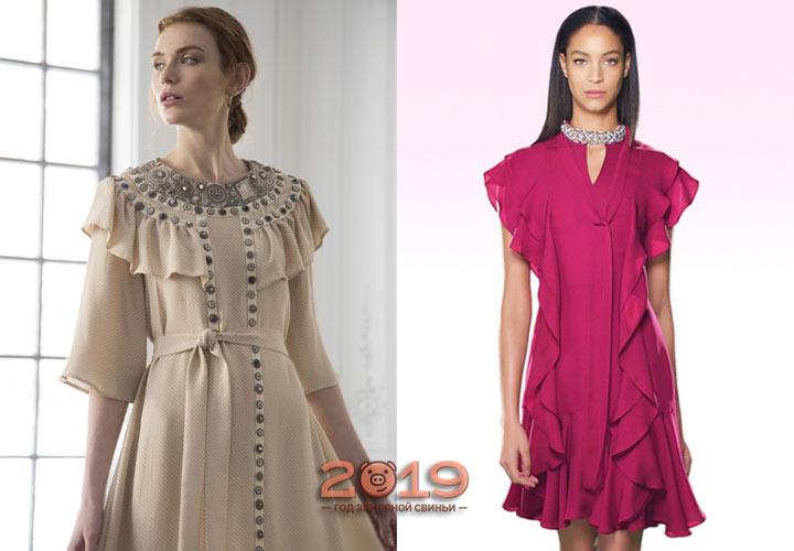 Лаконичное платье с рюшами зима 2018-2019