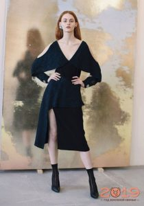 Платье с разрезом зима 2018-2019