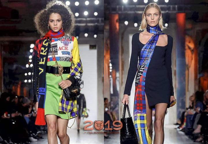 Модные шарфы от Версаче