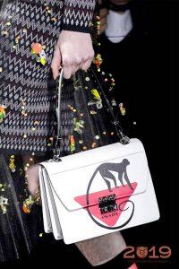 Модная сумка с обезьянкой зима 2018-2019 года