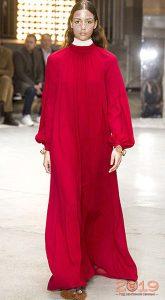 Красное платье-макси минималистического кроя 2019 год