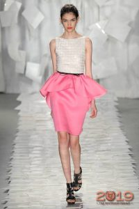 Розовая юбка с баской 2018-2019 год